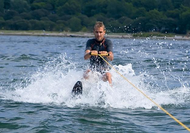 аренда водных лыж, катание на водных лыжах
